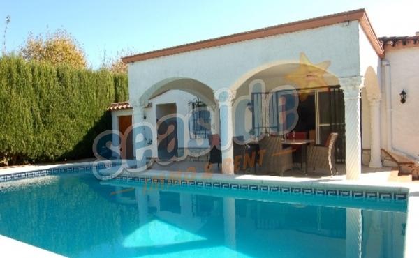 Villa Holidays HUTG 02874