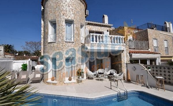 Casa Medes HUTG 06171